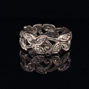 #1462B-97600 Ring with diamonds 