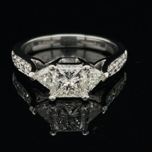 #3068-974000 1.02 ct. 14K Engagement Ring Color I Clarity VV2