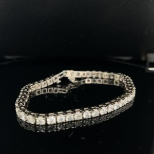 #RodA31-978000 14K White Gold 7.0CTW Tennis Bracelet 44 Diamonds.